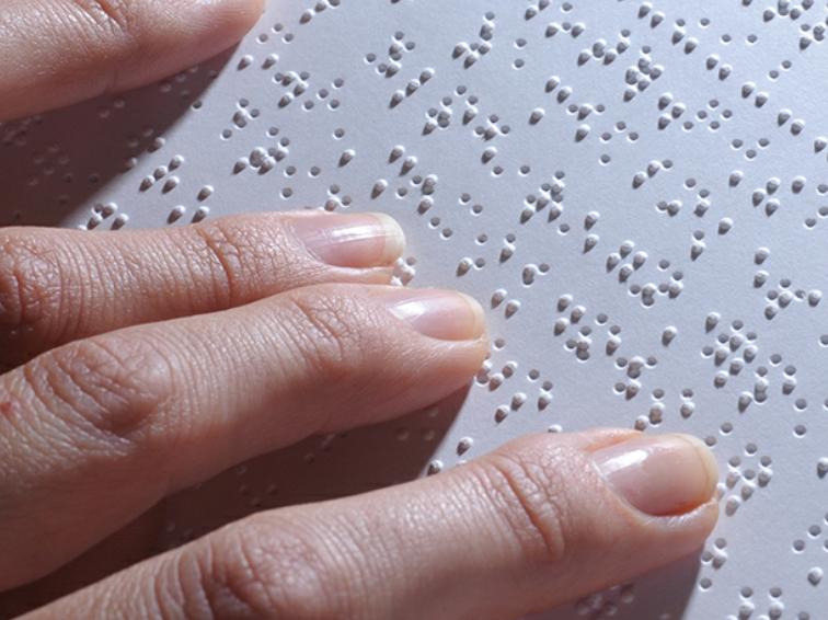 Fingertips on Braille